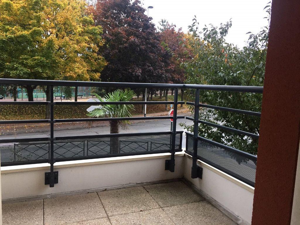 Appartement à louer 2 48.44m2 à Le Blanc-Mesnil vignette-1