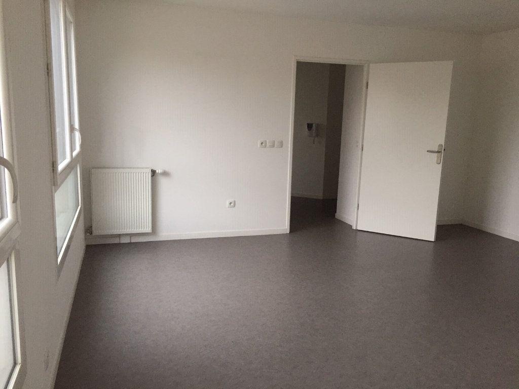 Appartement à louer 2 48.44m2 à Le Blanc-Mesnil vignette-6