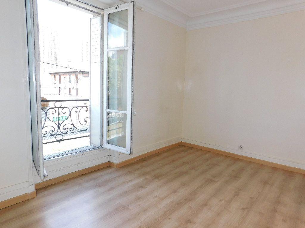 Appartement à vendre 1 31.35m2 à Paris 18 vignette-3