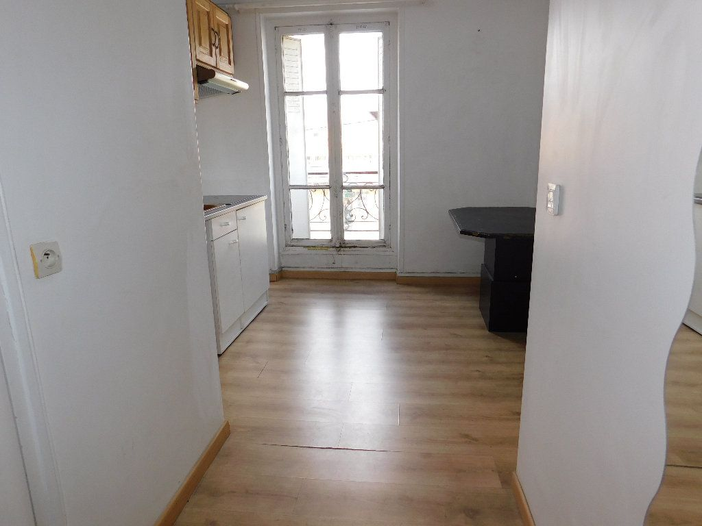 Appartement à vendre 1 31.35m2 à Paris 18 vignette-5