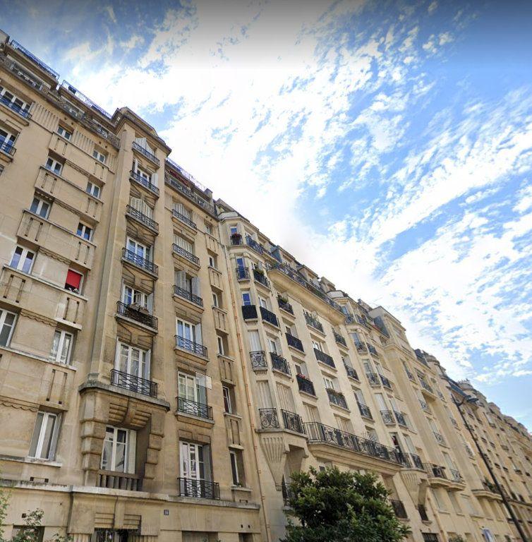 Appartement à vendre 2 61.54m2 à Paris 17 vignette-1