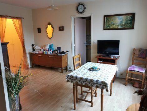 Appartement à vendre 2 38.01m2 à Paris 18 vignette-2