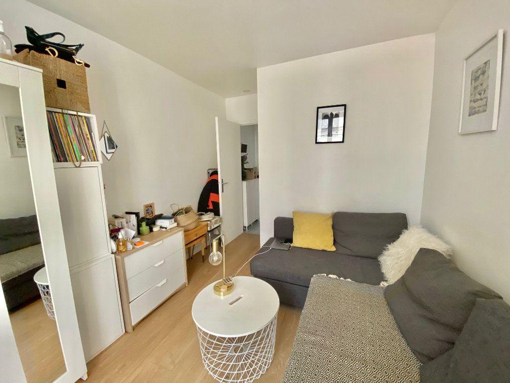 Appartement à vendre 1 17.09m2 à Paris 18 vignette-2