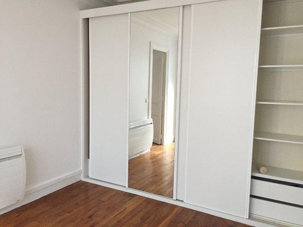 Appartement à louer 2 35.8m2 à Paris 18 vignette-5