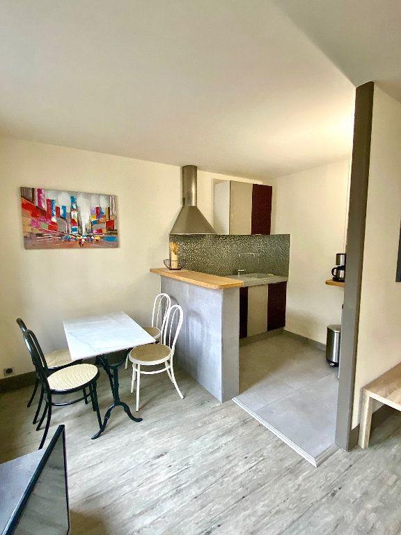 Appartement à vendre 2 36m2 à Paris 17 vignette-1