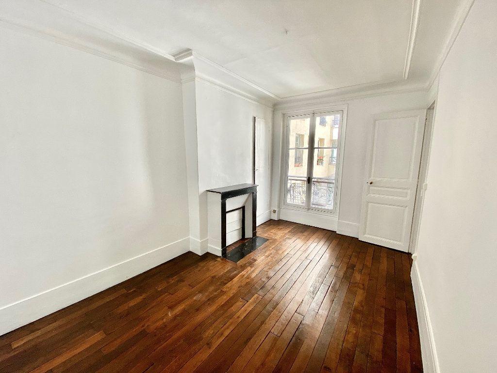 Appartement à vendre 2 36.6m2 à Paris 18 vignette-4