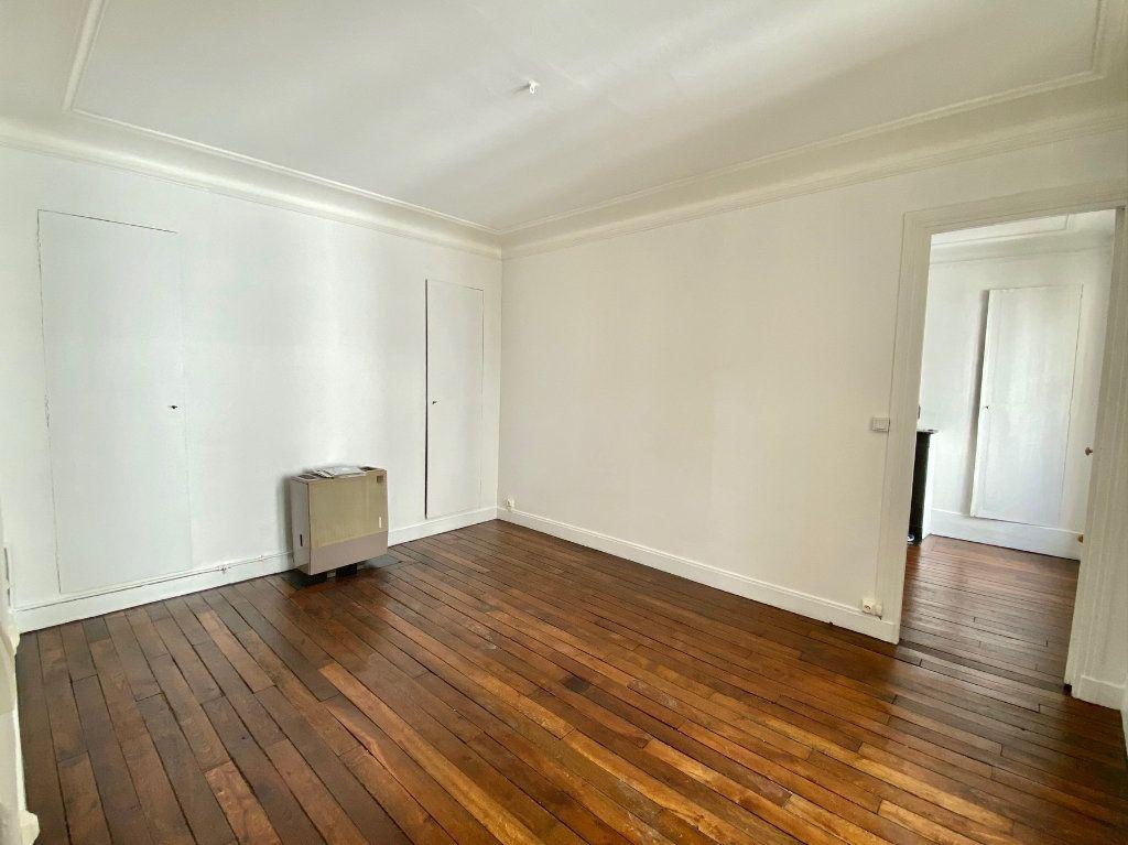 Appartement à vendre 2 36.6m2 à Paris 18 vignette-6