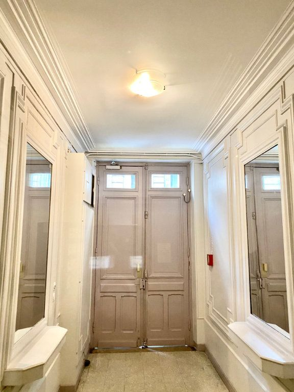 Appartement à vendre 2 36.6m2 à Paris 18 vignette-10