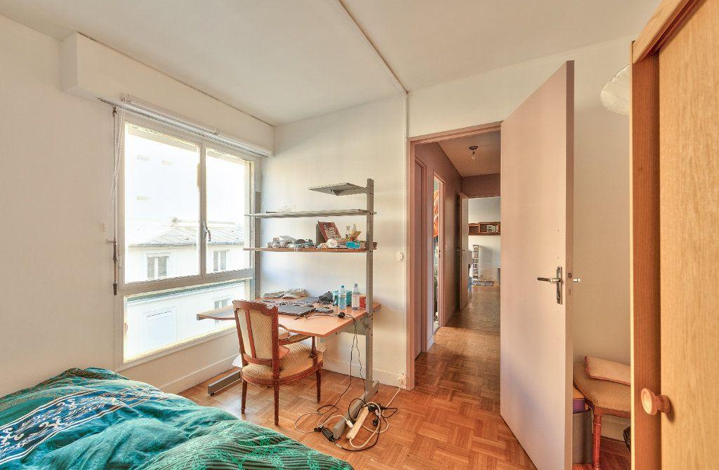 Appartement à louer 4 72m2 à Paris 18 vignette-10