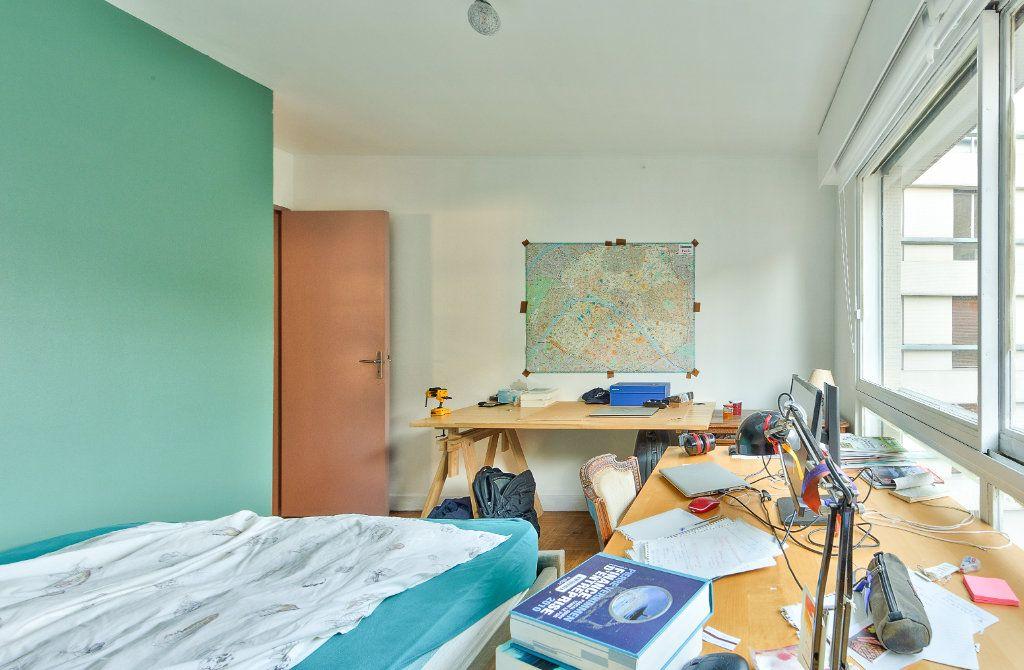 Appartement à louer 4 72m2 à Paris 18 vignette-12