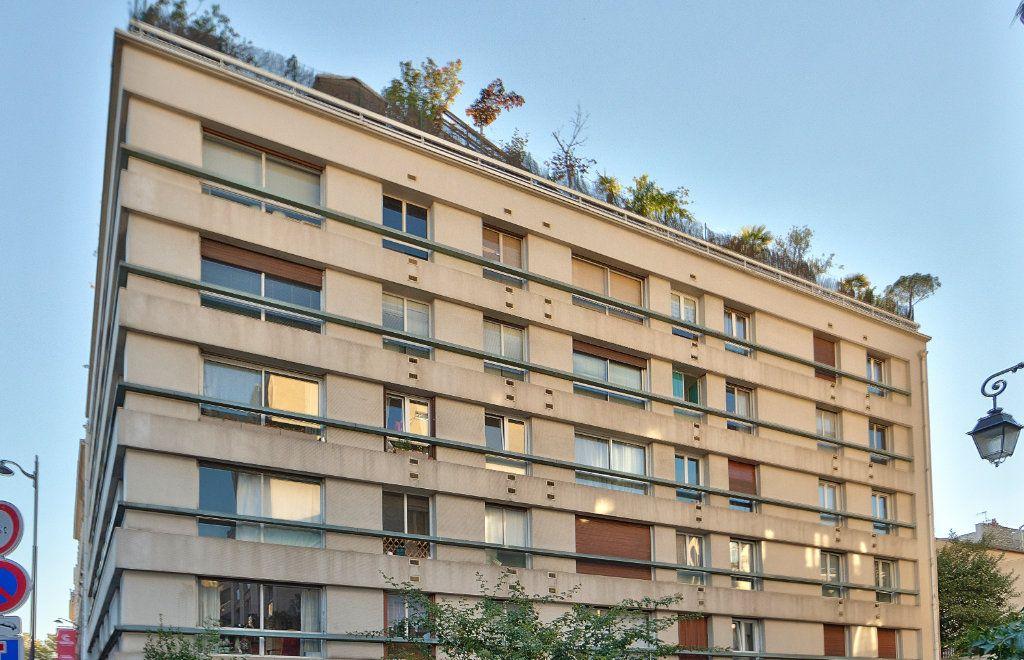 Appartement à louer 4 72m2 à Paris 18 vignette-14