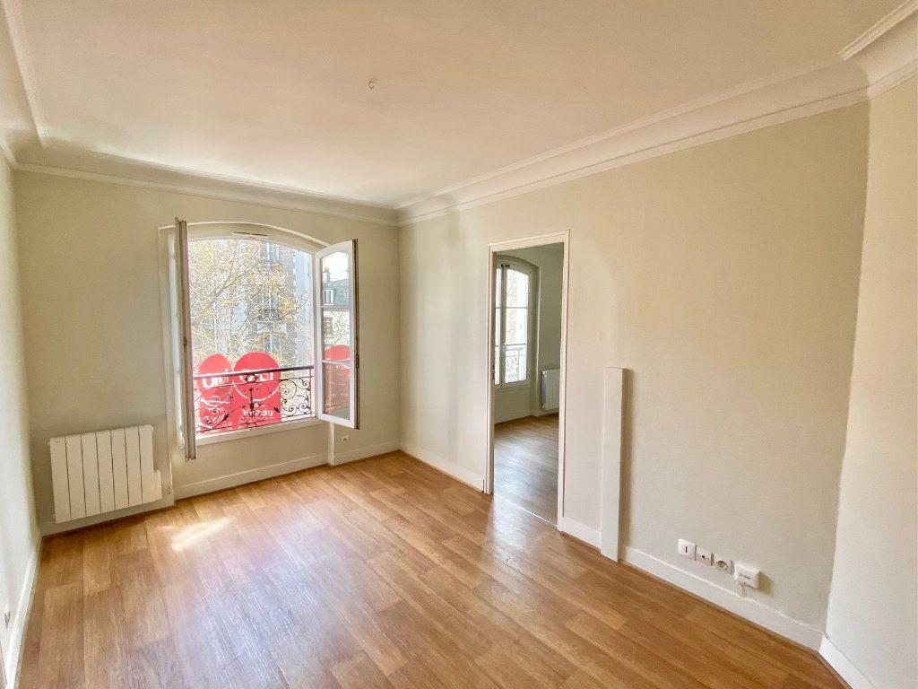 Appartement à vendre 3 49m2 à Paris 17 vignette-6
