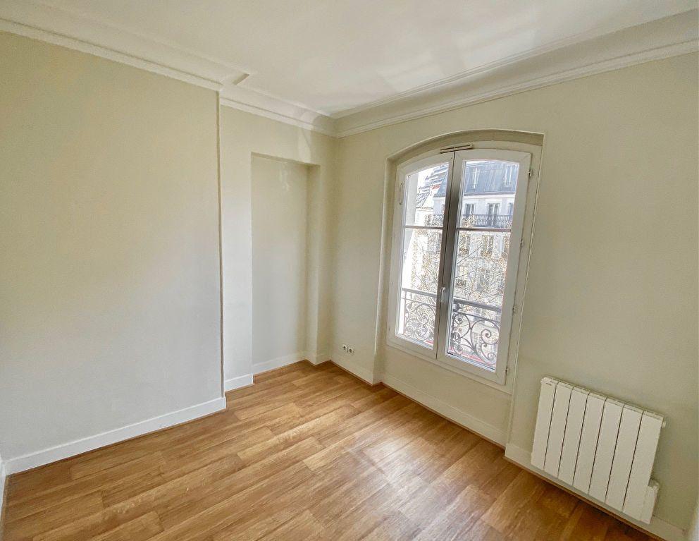 Appartement à vendre 3 49m2 à Paris 17 vignette-8
