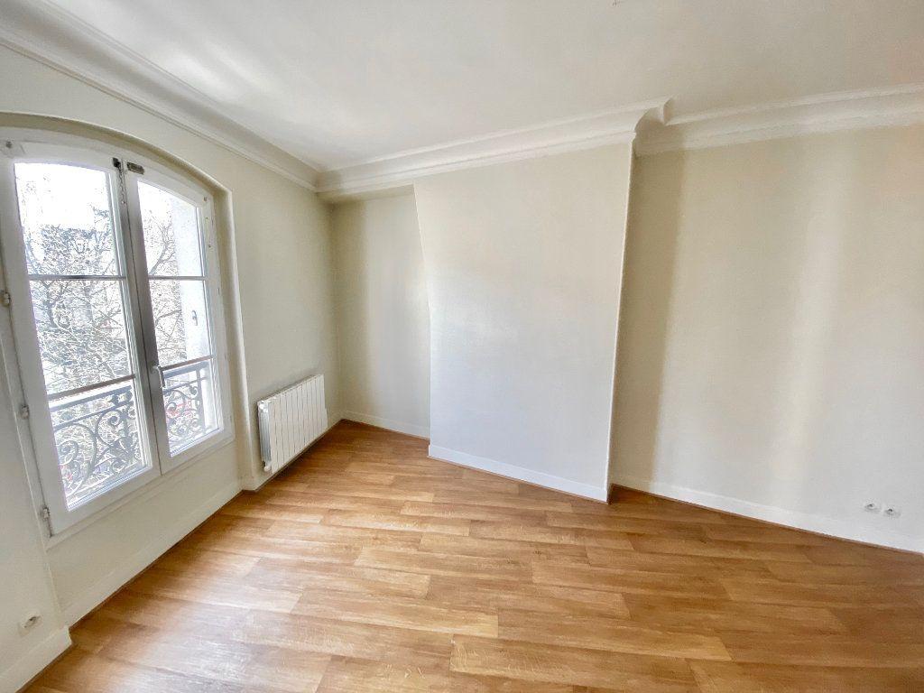 Appartement à vendre 3 49m2 à Paris 17 vignette-9