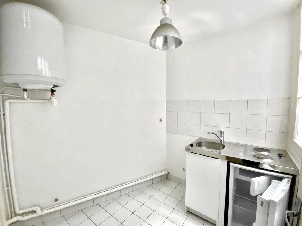 Appartement à vendre 3 49m2 à Paris 17 vignette-10