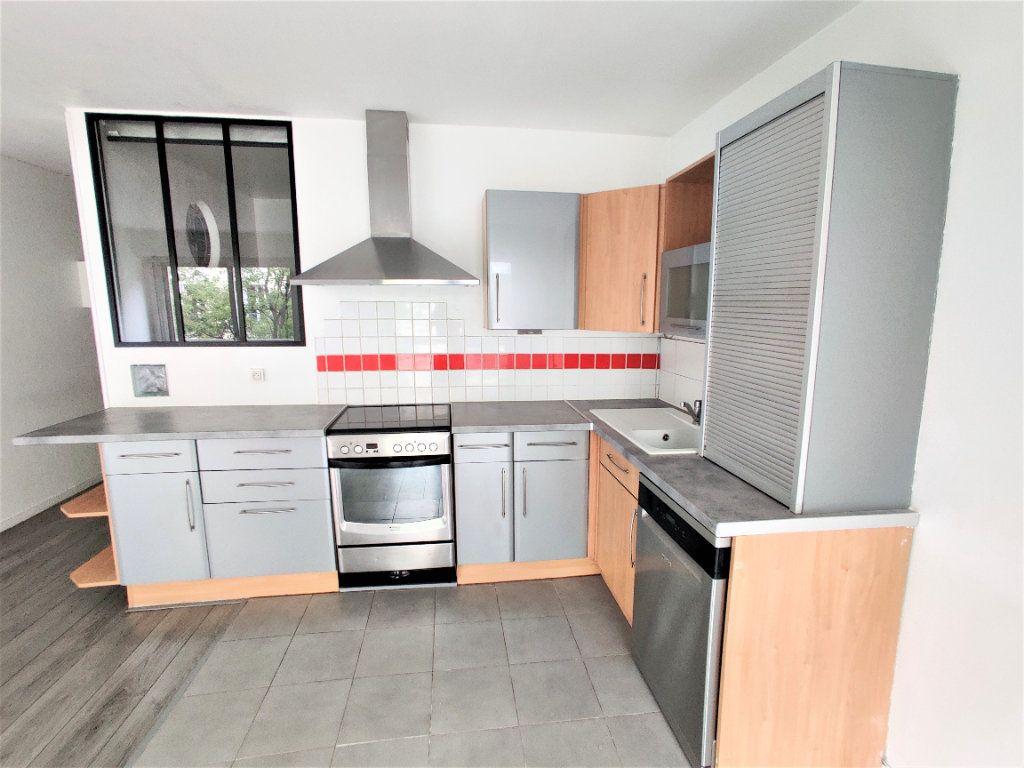 Appartement à vendre 2 42.77m2 à Paris 17 vignette-3