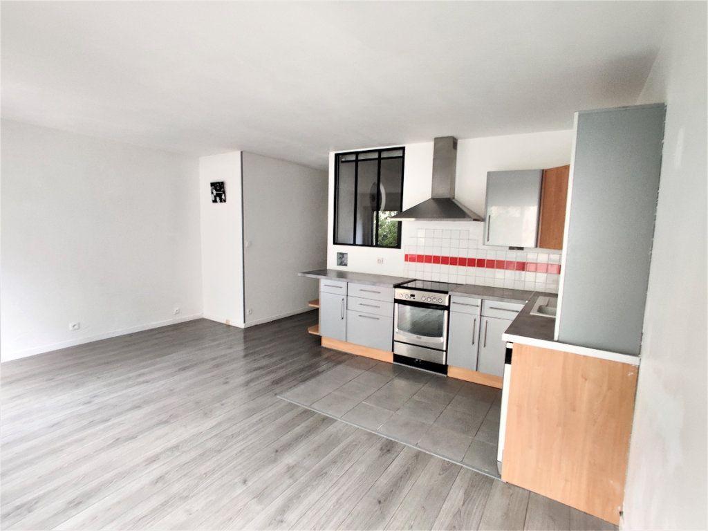 Appartement à vendre 2 42.77m2 à Paris 17 vignette-5