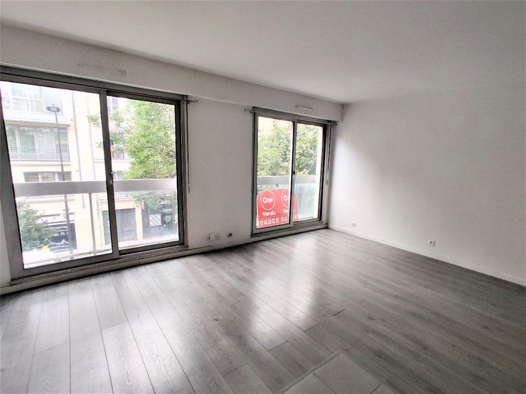 Appartement à vendre 2 42.77m2 à Paris 17 vignette-7