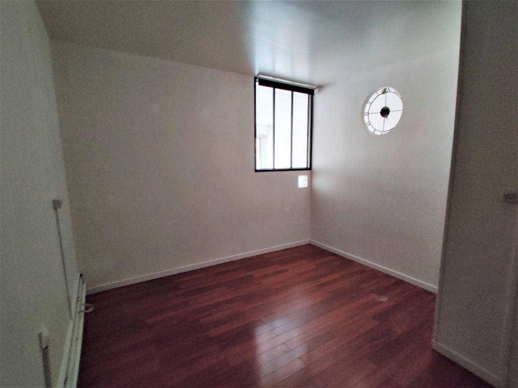 Appartement à vendre 2 42.77m2 à Paris 17 vignette-10