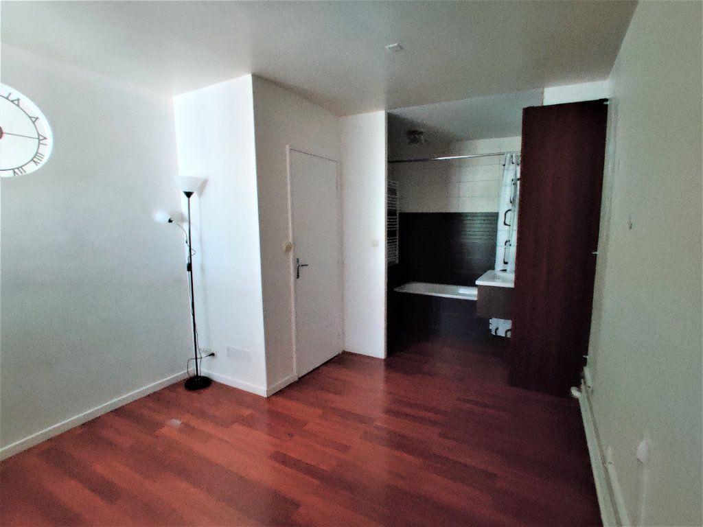 Appartement à vendre 2 42.77m2 à Paris 17 vignette-11