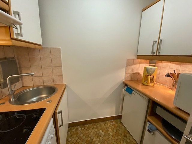 Appartement à louer 1 29m2 à Paris 18 vignette-5