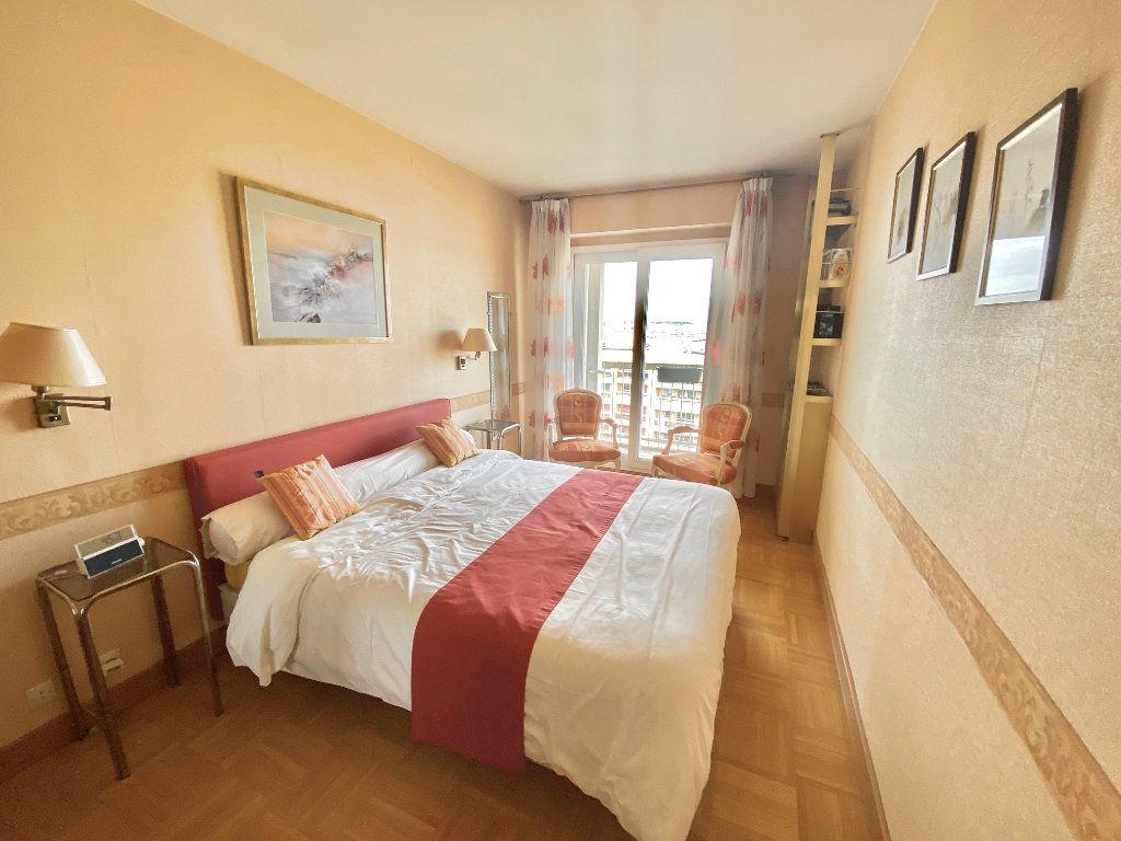 Appartement à vendre 5 108m2 à Paris 12 vignette-9
