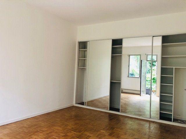 Appartement à louer 2 45.77m2 à Paris 18 vignette-5