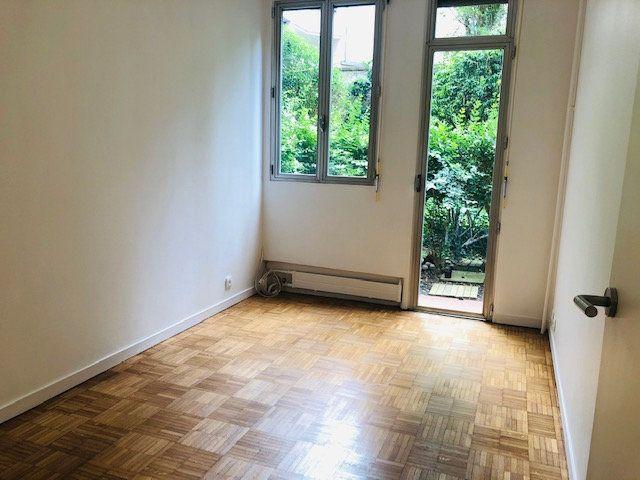 Appartement à louer 2 45.77m2 à Paris 18 vignette-8