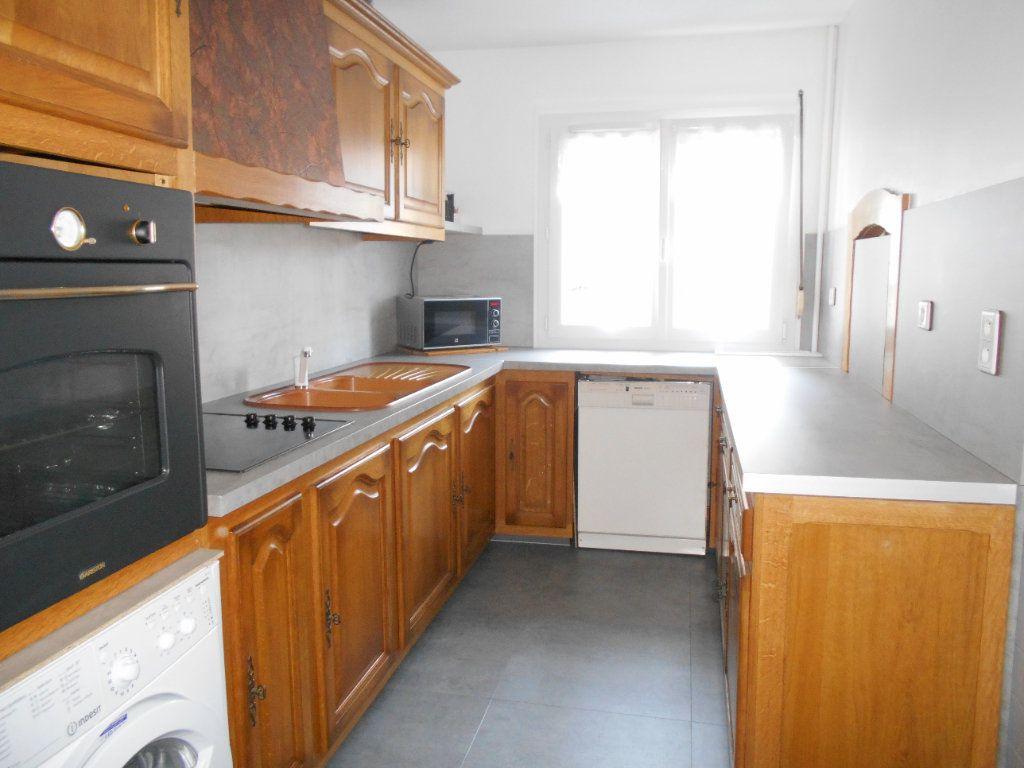 Appartement à vendre 4 77m2 à Les Ulis vignette-4