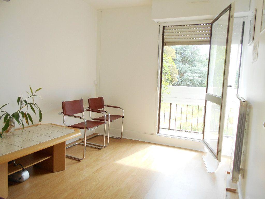 Appartement à vendre 3 67m2 à Les Ulis vignette-4