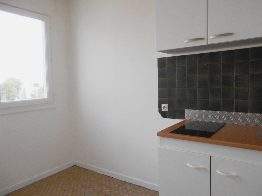 Appartement à vendre 1 30m2 à Les Ulis vignette-3