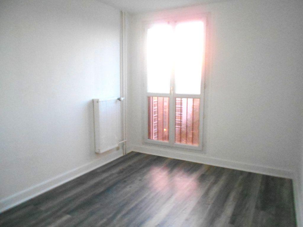 Appartement à vendre 4 75.68m2 à Les Ulis vignette-6