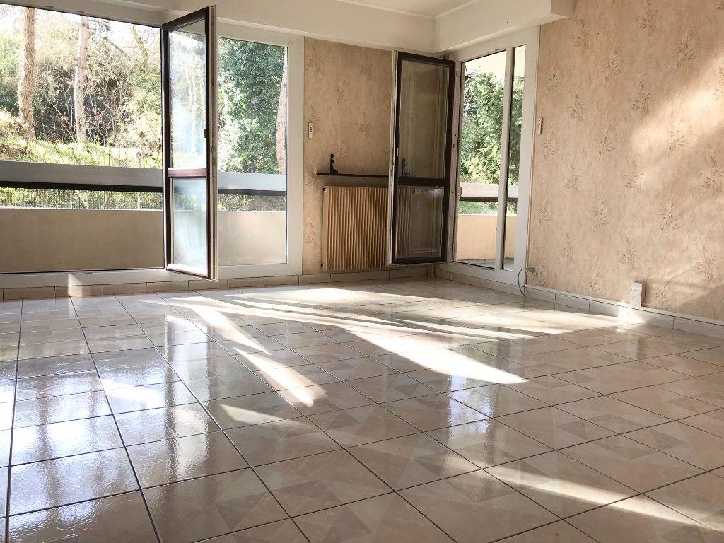 Appartement à vendre 3 66.34m2 à Les Ulis vignette-1