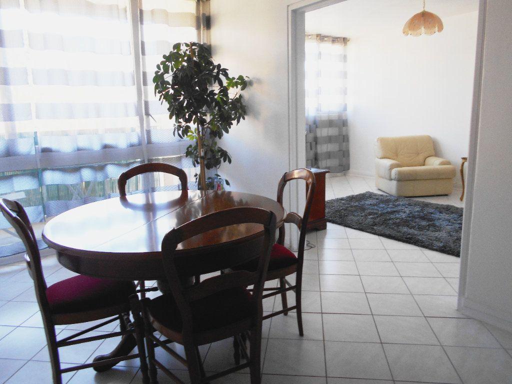 Appartement à vendre 4 78.49m2 à Les Ulis vignette-1