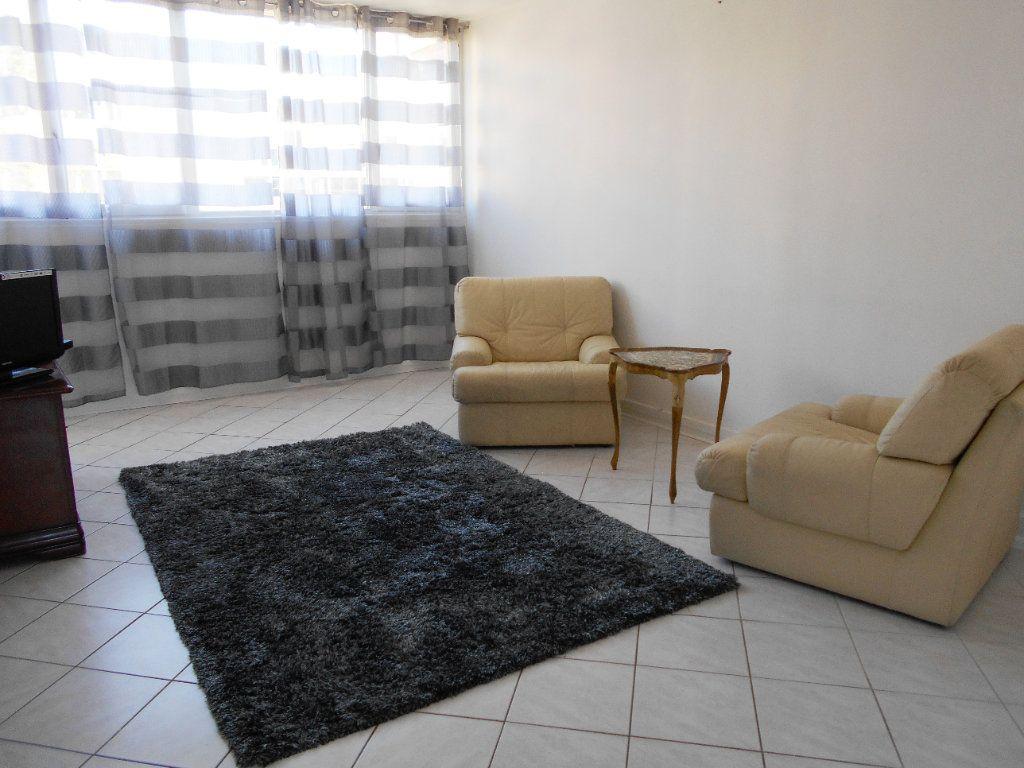 Appartement à vendre 4 78.49m2 à Les Ulis vignette-2