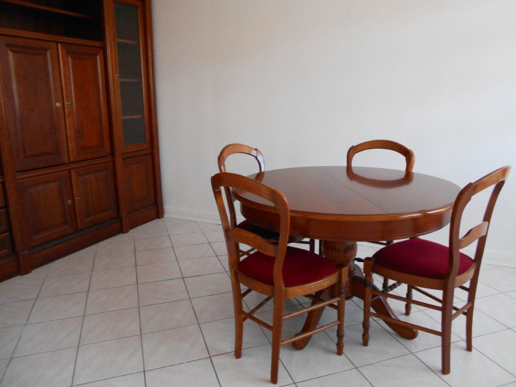 Appartement à vendre 4 78.49m2 à Les Ulis vignette-3