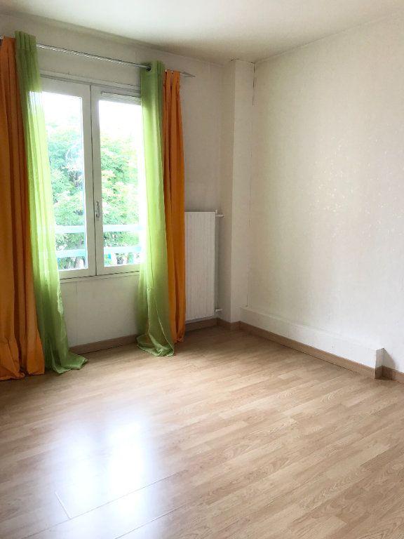 Appartement à vendre 4 81.38m2 à Les Ulis vignette-4