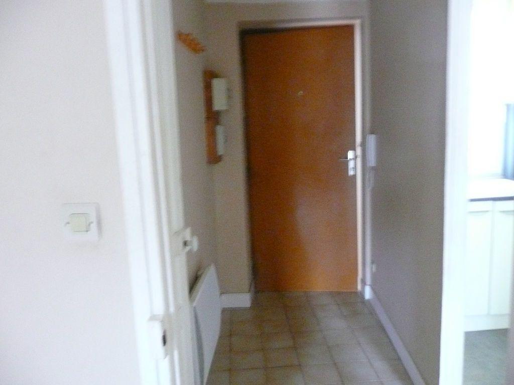 Appartement à louer 2 37.43m2 à Coulommiers vignette-5