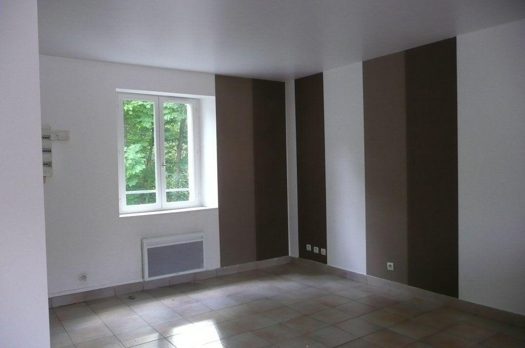 Appartement à louer 3 47.79m2 à Coulommiers vignette-1