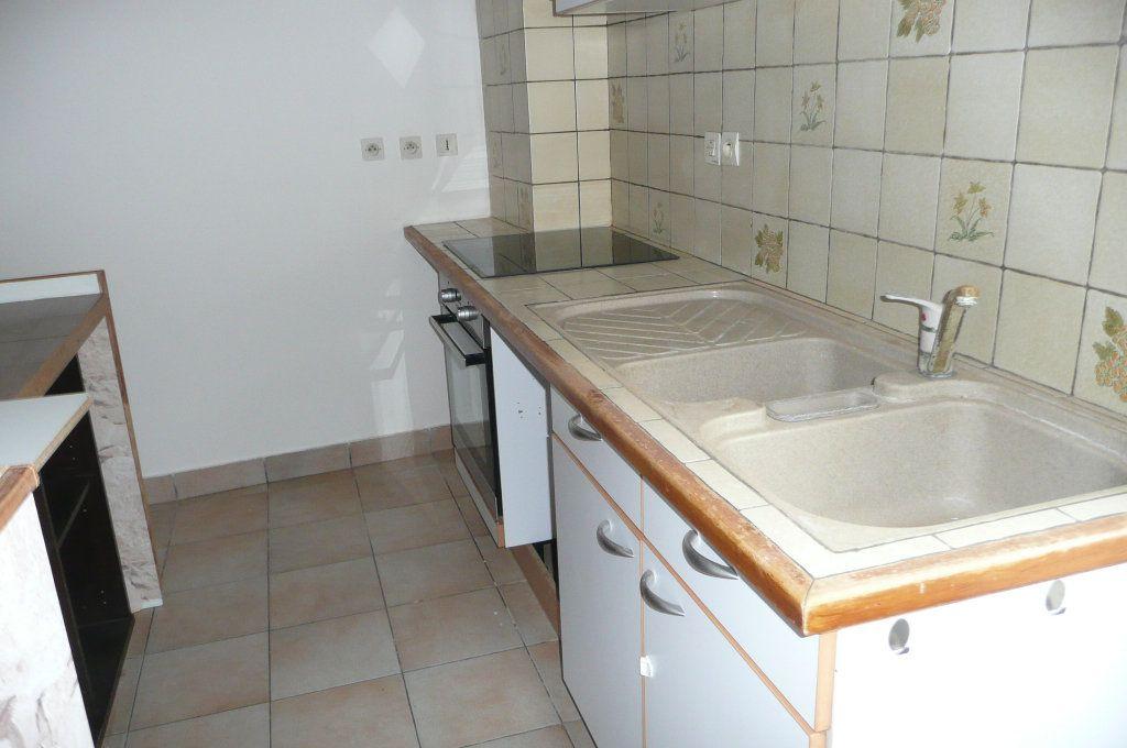 Appartement à louer 3 47.79m2 à Coulommiers vignette-4