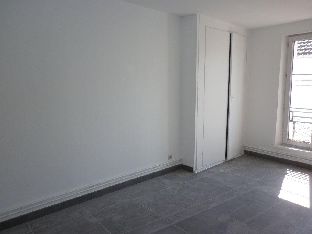 Appartement à louer 4 91m2 à Coulommiers vignette-5
