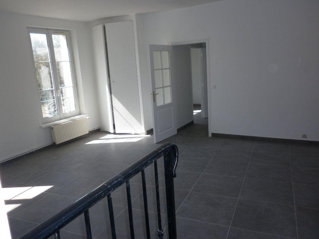 Appartement à louer 4 91m2 à Coulommiers vignette-6