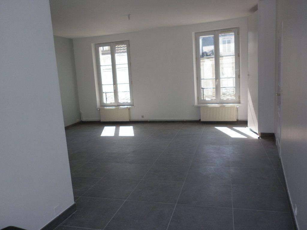Appartement à louer 4 91m2 à Coulommiers vignette-8