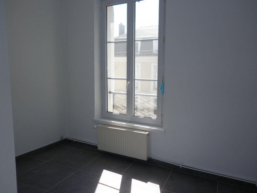 Appartement à louer 4 91m2 à Coulommiers vignette-11