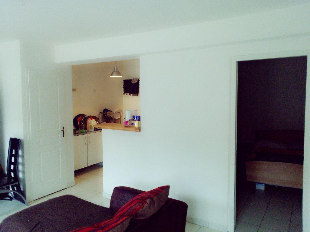 Appartement à louer 2 37.25m2 à Coulommiers vignette-2