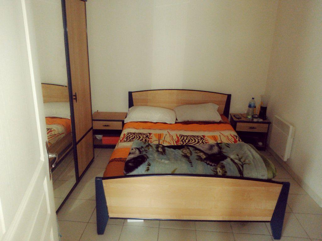 Appartement à louer 2 37.25m2 à Coulommiers vignette-3