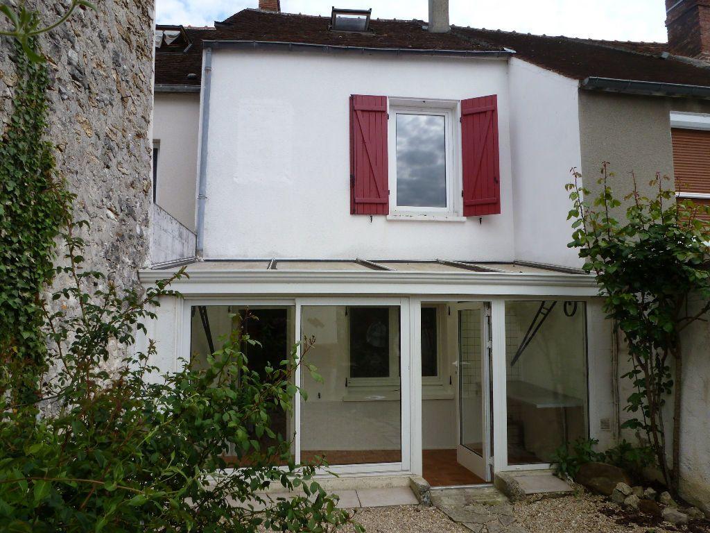 Maison à louer 4 75m2 à Jouy-sur-Morin vignette-1