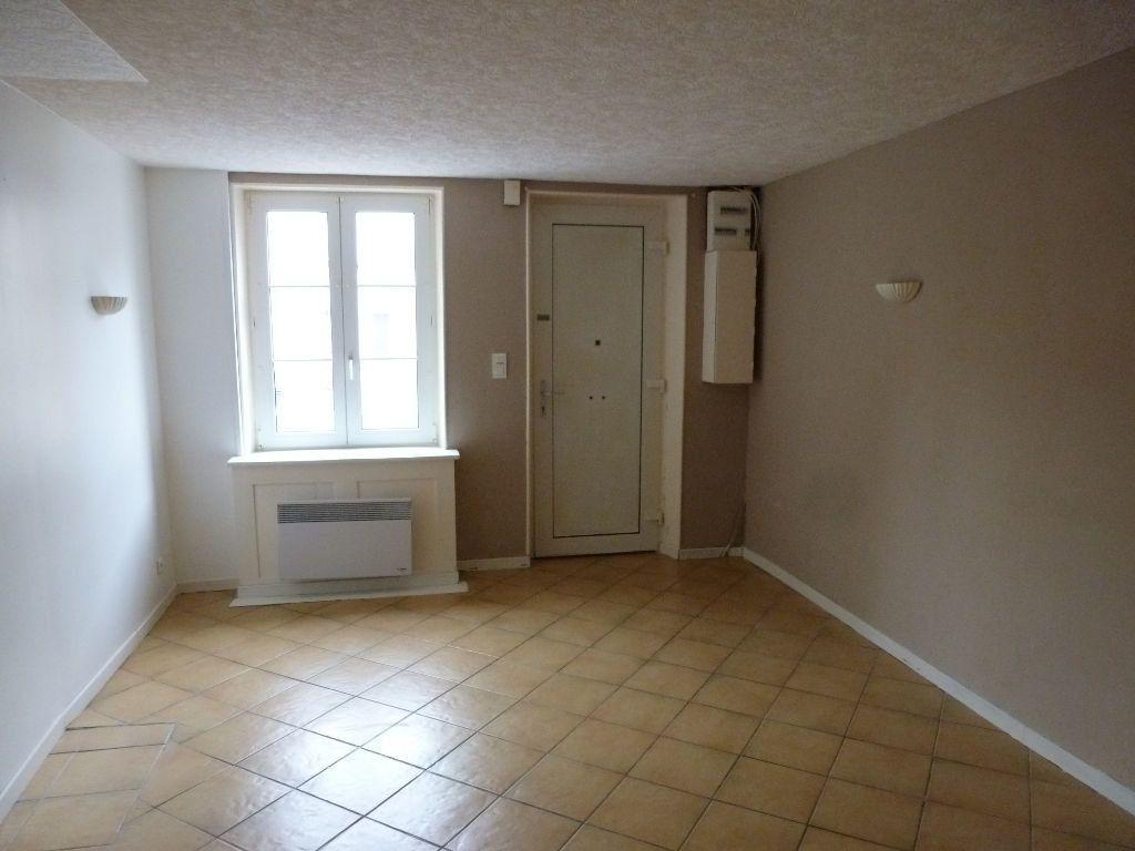 Maison à louer 4 75m2 à Jouy-sur-Morin vignette-4