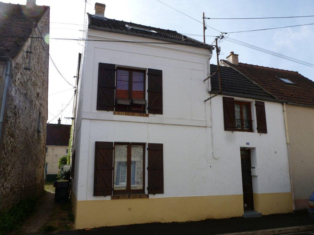 Maison à louer 4 80m2 à Faremoutiers vignette-1