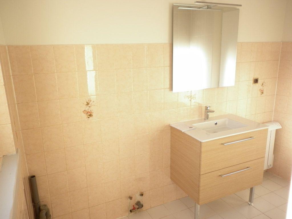 Appartement à louer 3 55.1m2 à Chailly-en-Brie vignette-6
